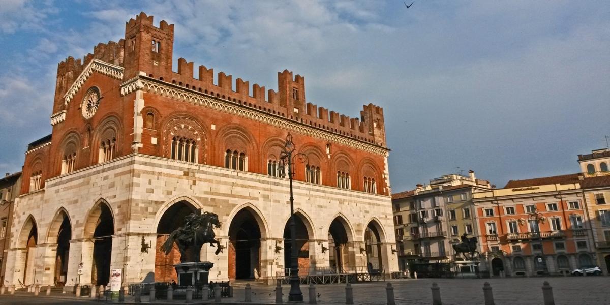 Piazza Cavalli - Piacenza