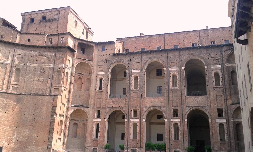 Palazzo Farnese - cortile